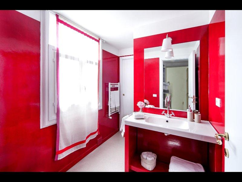 3 baño (con ducha) en suite con dormitorio 3
