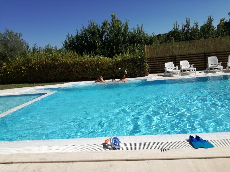 AGAVE RESORT MASSIGNANO, holiday rental in Province of Ascoli Piceno