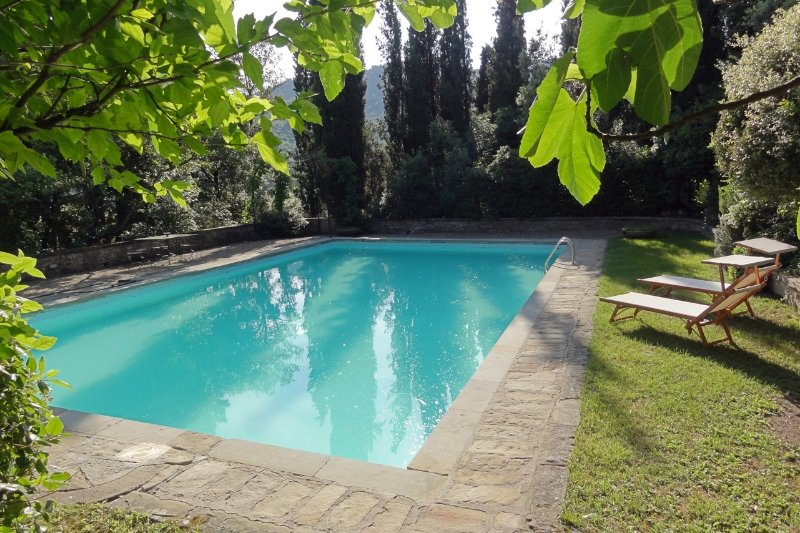 Sant'Angiolo Villa Sleeps 10 with Pool Air Con and WiFi - 5226902, holiday rental in Portole