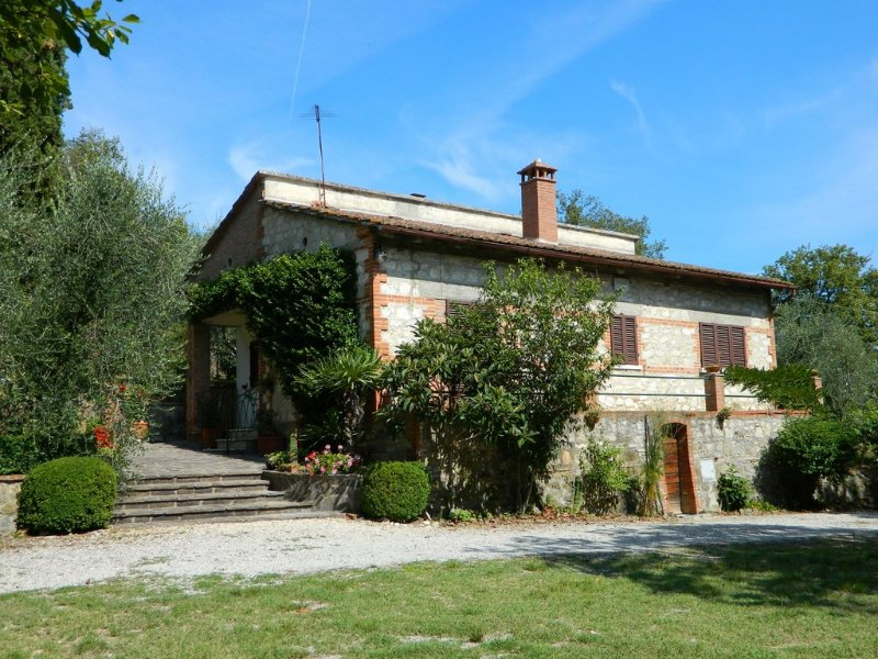 Molino del Calcione Holiday Home Sleeps 6 - 5226975, vacation rental in Rigomagno