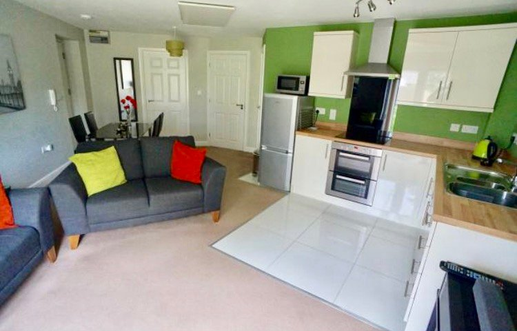 1 The Rookery, Lincoln (2 Bedroom Holiday Flat), holiday rental in Thorpe On The Hill