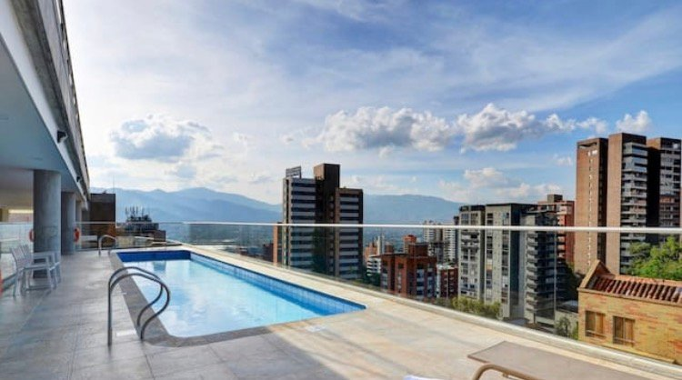 POBLADO LUXURY APARTMENT, location de vacances à Girardota