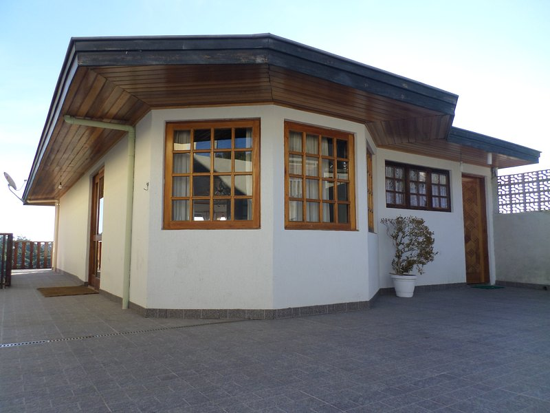 Zanzarini House - O destino ideal de suas férias estão aqui!, holiday rental in Campos Do Jordao