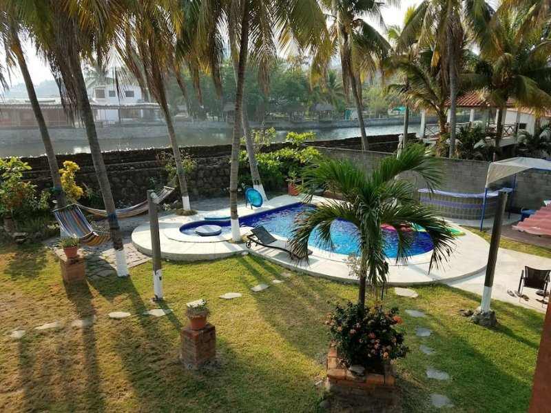Surfer's Paradise, holiday rental in Santa Tecla