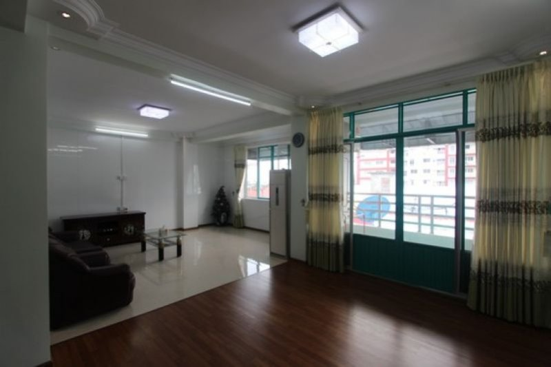 Short term stay in Downtown Yangon, Nice and clean apartment close to shops, vacation rental in Yangon Region