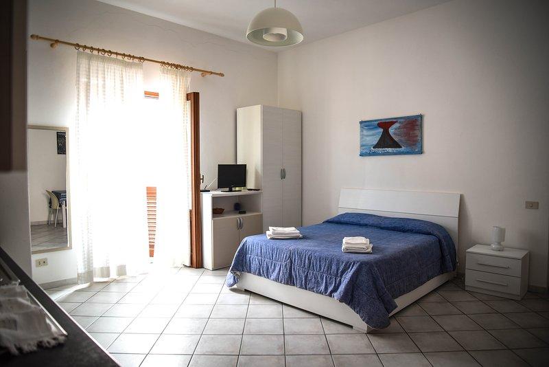 'Malvasia studio' - studio flat in lipari center, holiday rental in San Salvatore