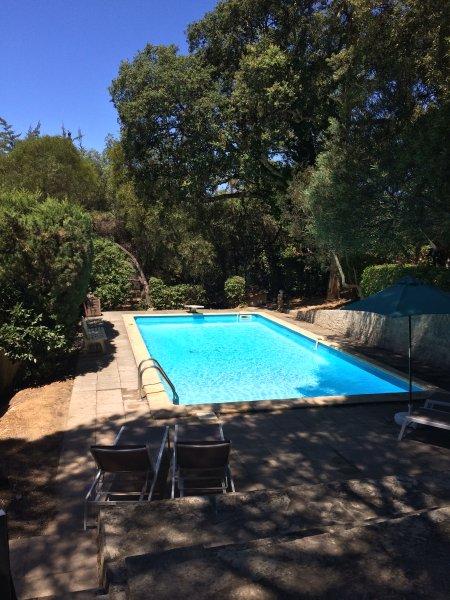 Cabanon provencale pinede piscine, casa vacanza a La Seyne-sur-Mer