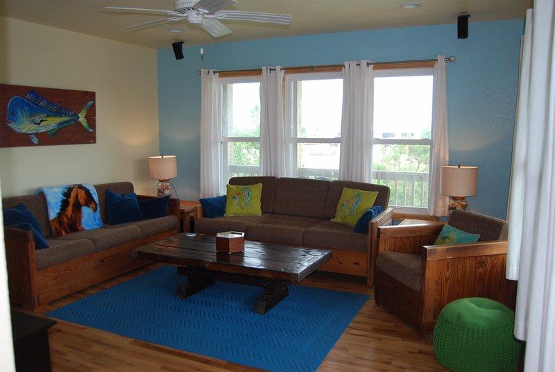 """Mid-Level-Familienzimmer mit 60"""" TV und Surround-Sound mit ausziehbarem Sofa für zusätzliches Bett"""