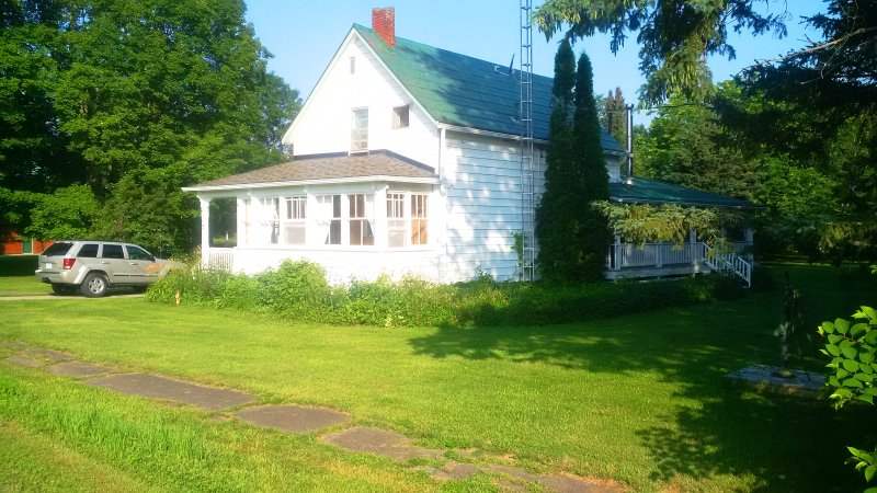 Rideau Lakes Cottage - Lower Beverley Lake, alquiler de vacaciones en Delta