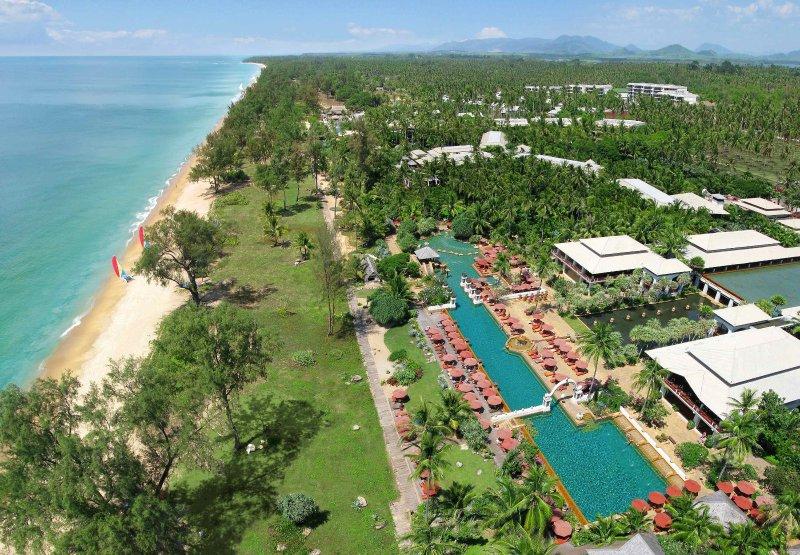Marriott Phuket Beach Club Spacious Luxury Villa with full JW Marriott services, location de vacances à Tha Yu