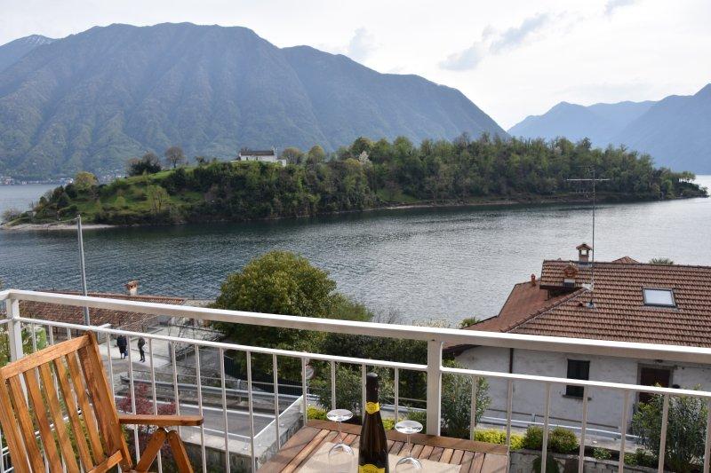 Appartement avec vue sur le lac, Ferienwohnung in Ossuccio