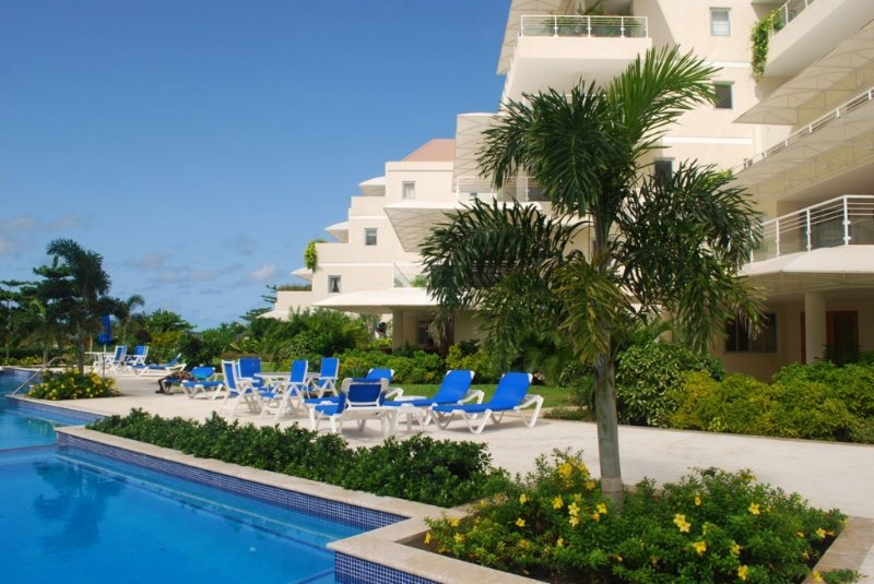 The Condominiums at Palm Beach, Apt 206, Hastings, Christ Church, Barbados, vacation rental in Hastings