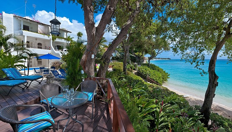 Oceans Edge, Merlin Bay, The Garden, St. James, Barbados - Beachfront, holiday rental in The Garden