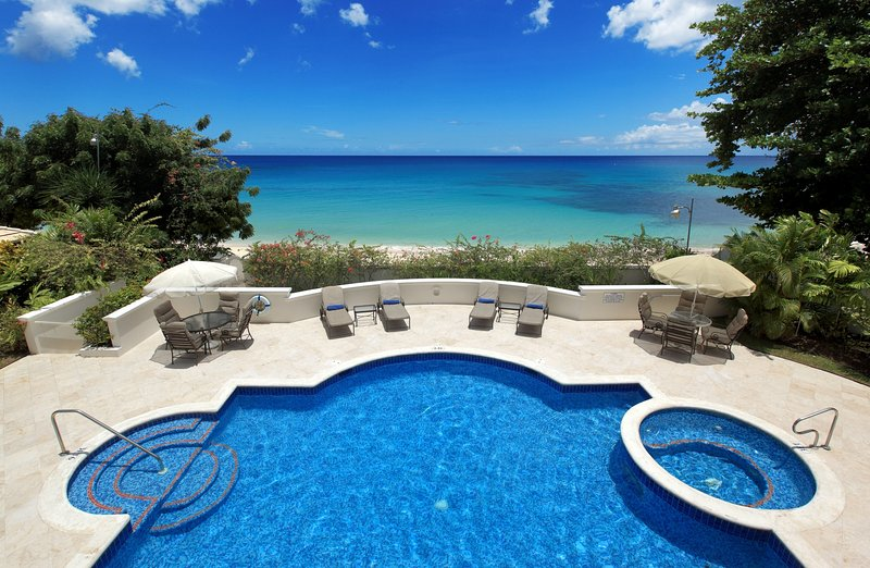 Fosters House, Lower Carlton, St. James, Barbados - Beachfront, location de vacances à Saint-James