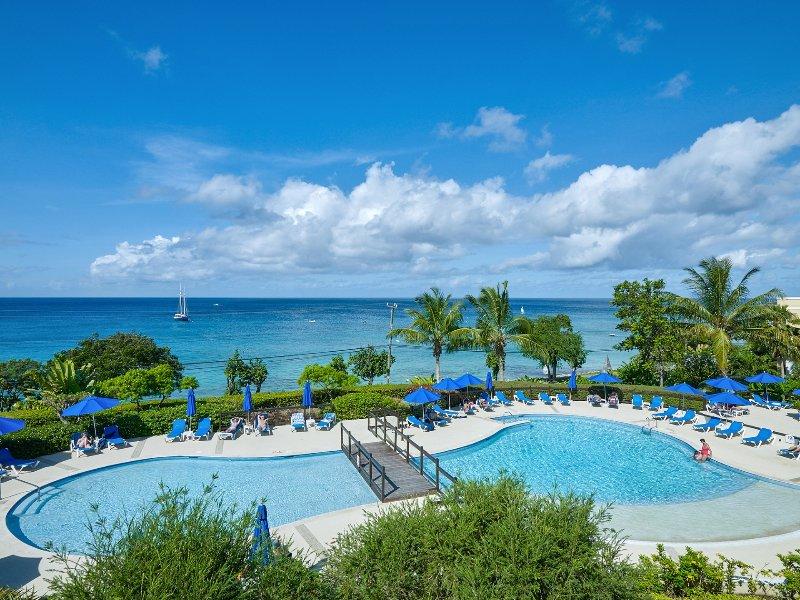 Beach View 309, Paynes Bay, St. James, Barbados, vacation rental in Paynes Bay
