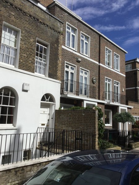 Confortable, Zone 1, trois chambres, 3 salles de bains, London Maison de ville