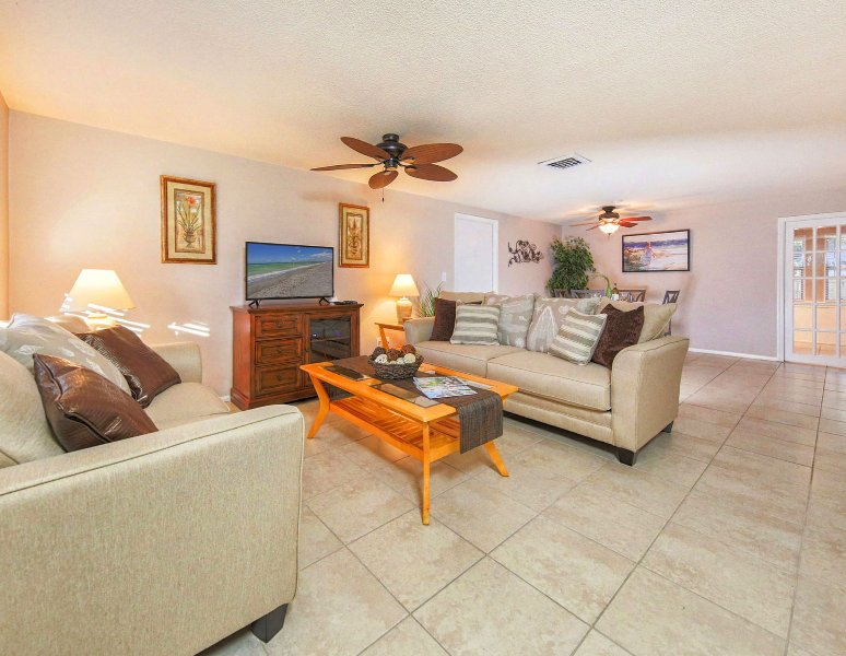 Sunset Villa is close to Shamrock Park and bike trails