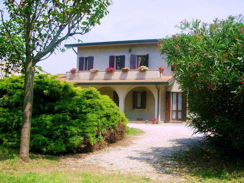Ca Morosini (B&B) - Venezia Room, holiday rental in Crespino