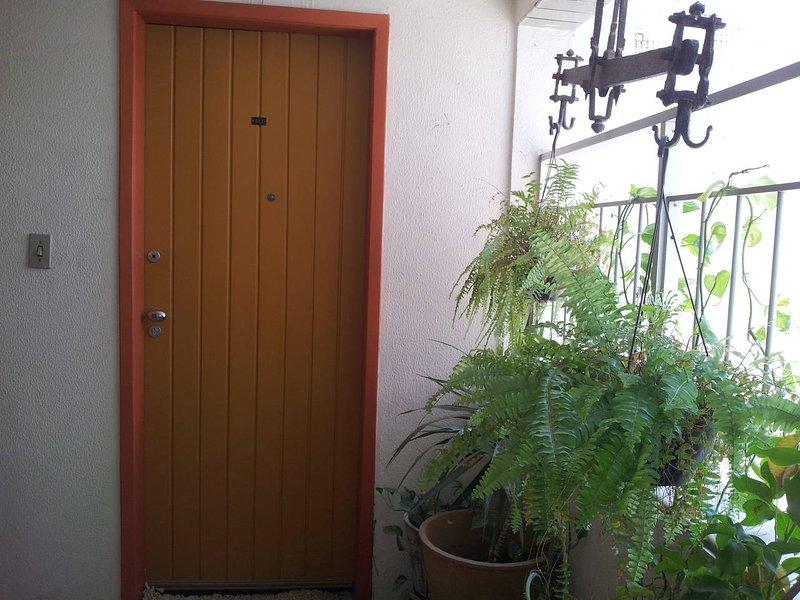CHARME E CONFORTO NO SEU QUARTO E BANHEIRO, holiday rental in Recife