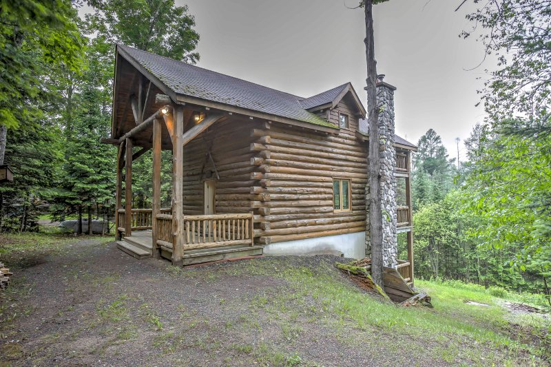 Your Upper Peninsula getaway begins when you stay at this 3-bedroom, 3-bathroom vacation rental cabin in Iron River, which sleeps 10 guests.