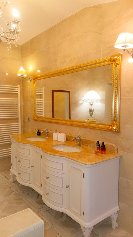 The private bathroom of one of the rooms