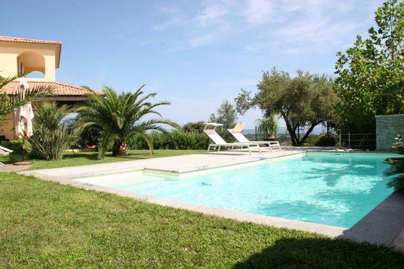 Chambres d'hôtes, piscine, plage, calme et  vue mer, location de vacances à Pruno