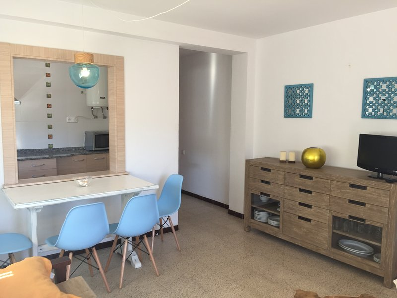 APARTAMENTOS AQUARIUM (32).  RENOVADO, VISTAS AL MAR., location de vacances à Rosas