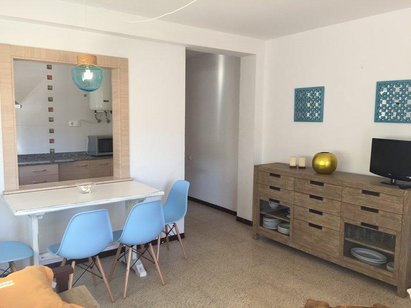 APARTAMENTOS AQUARIUM (32).  RENOVADO, VISTAS AL MAR., holiday rental in Roses