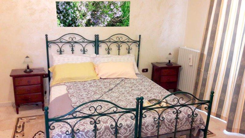 Stanza Rosmarino, holiday rental in Putignano