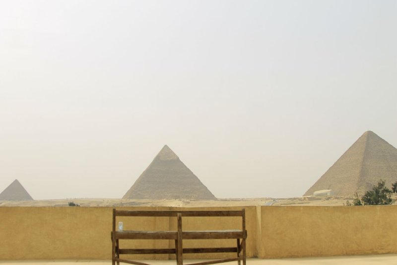Horus Guest House Pyramids View (2 Bedroom Apartment), holiday rental in Sheikh Zayed City