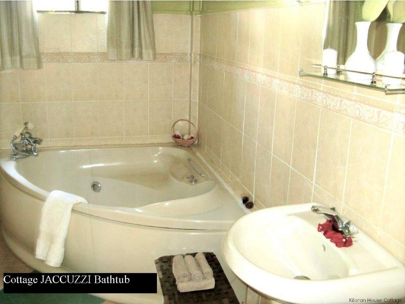 Cottage Master Jaccuzzi  Bathtub