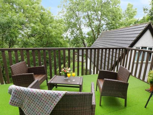 Tamar Valley Holiday & Leisure Park, 61 Valley Lodge (treetops) Alpine Style, holiday rental in Callington