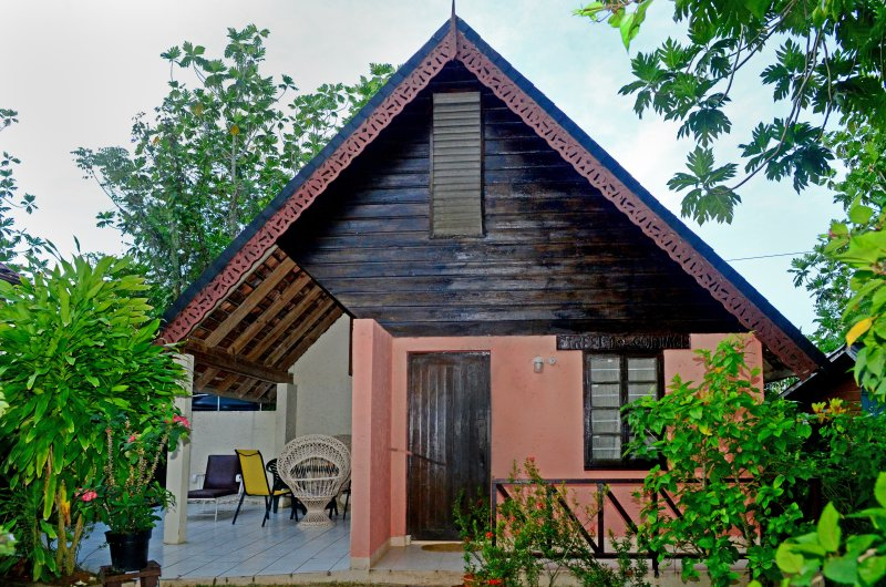 Alpine chalet, vacation rental in Negril