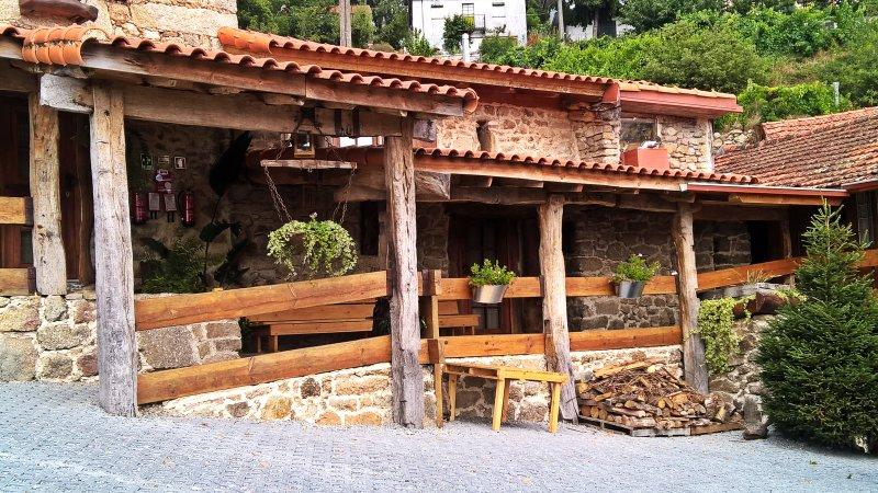 Quanto ao espaço físico, a área do Pouso da Serra localiza-se num espaço privilegiado