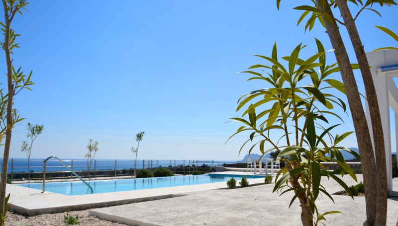 Sea view villa, holiday rental in Kalithies