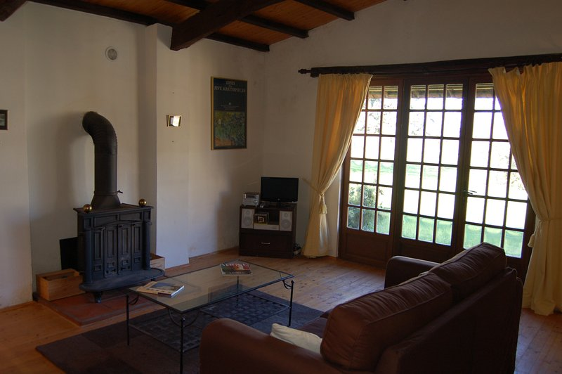 The lounge in Le Pigeonnier