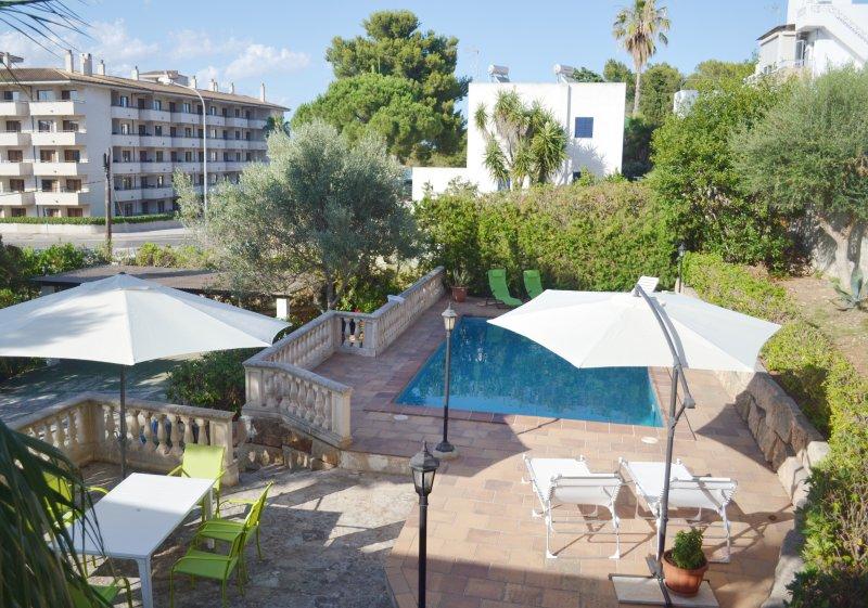 VILLA PORTOCOLOM -TUS MEJORES VACACIONES-, holiday rental in Cala Marcal