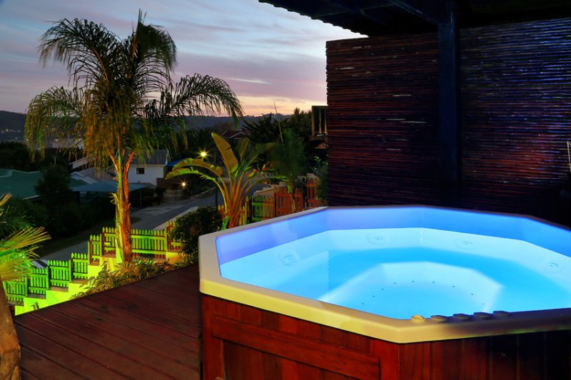 Jacuzzi with breathtaking views!