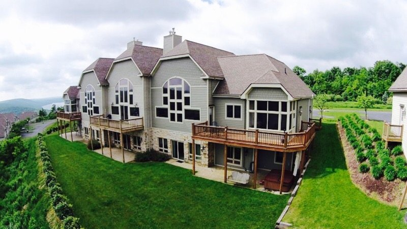 5 BR - AWESOME lake views, pool, billiards, tennis & hot tub on Wisp Mountain!!!