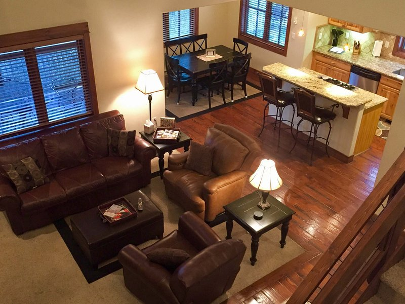 Spacious floorplan with open living space, dining area and kitchen