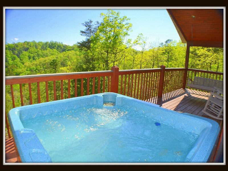hot tub / back deck
