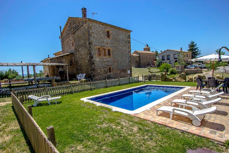 Catalunya Casas: Historical 6-bedroom Catalan villa for 15 guests!, vacation rental in Olius