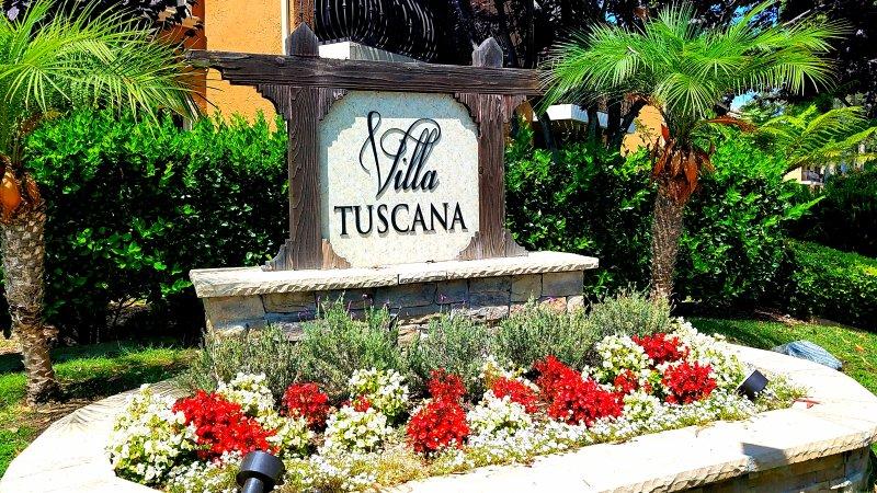 Mi hermoso condominio se encuentra en Villa Tuscana - un paseo fácil a restaurantes, tiendas y películas!