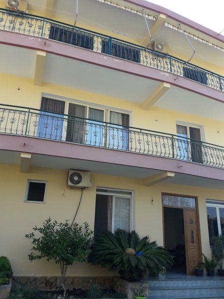 Vila Noel Apartment 1, location de vacances à Orikum