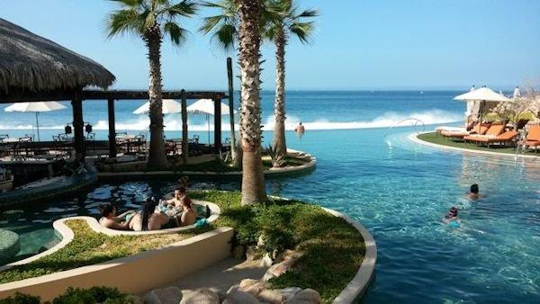 Amazing Swim up Pool Restaurant/Bar