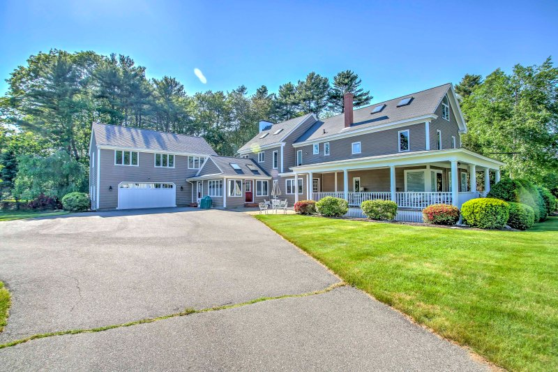 Gather your family and friends and head to this 8-bedroom, 5-bathroom Kennebunk vacation rental house!