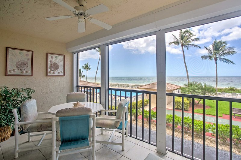 Look forward to a refreshing beach getaway when you stay at this oceanfront 1-bedroom, 1-bathroom vacation rental condo in Bonita Springs.