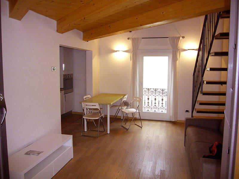 'La Casa di Giuliano'  in centro storico a 300 metri dal Duomo, vacation rental in Chiesuol del Fosso