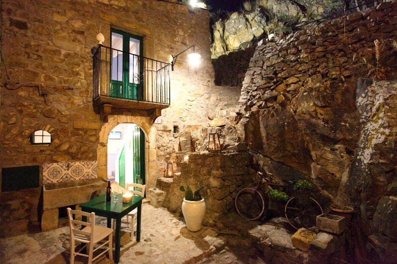 Typical sicilian house a 20 minutes from the sea, vacation rental in Mistretta