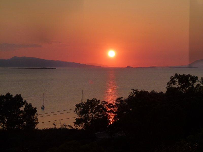 Aeginitissa House Klio - Aegina Island, holiday rental in Sfentouri